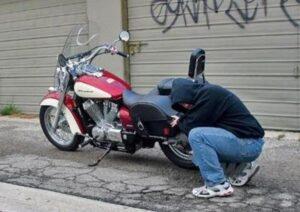 prevenire furto moto